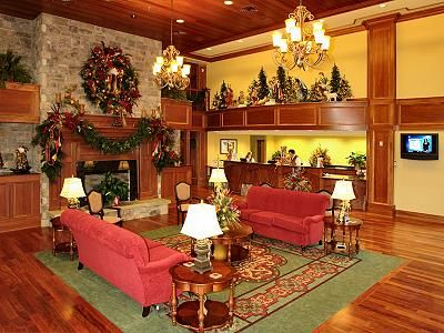 the inn at the christmas place in pigeon forge where christmas is year round complete with - The Christmas Inn