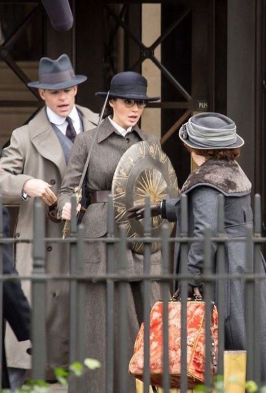 Set pictures from the solo Wonder Woman movie - Gal Gadot