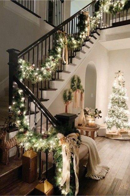 100+ Inspiring Christmas Staircase Decor You Need to See