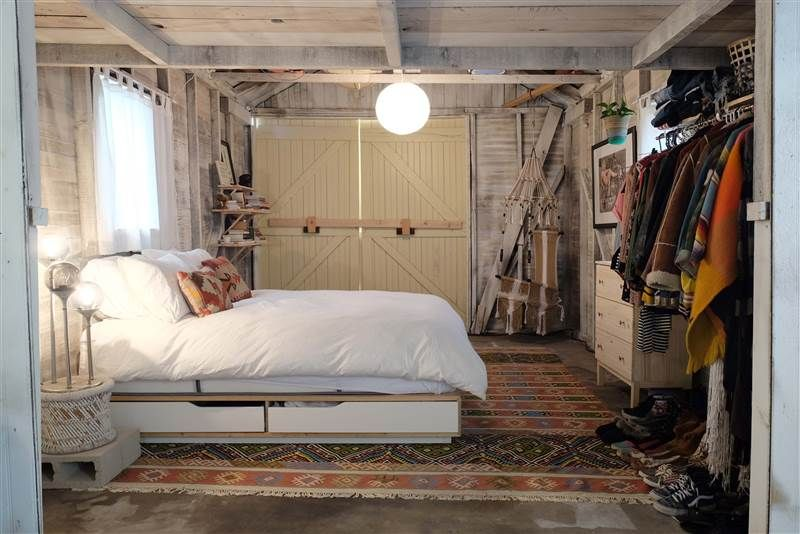 see a dingy garage transform into the coolest bedroom ever 15375 | 48afa44ea5d5e9f40a8cbb6f13141291