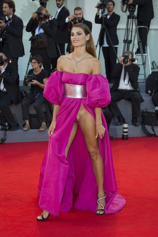 Dayane Mello Upskirt The Young Pope Premiere Kanoni