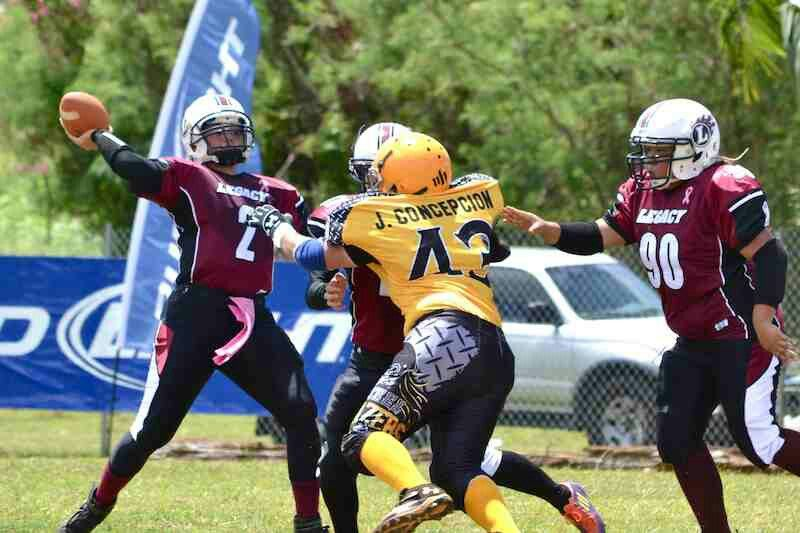 Morgan Reyes Qb Team Legacy Vs Steel Blazers 2013 Tackle Football Football Helmets Football League