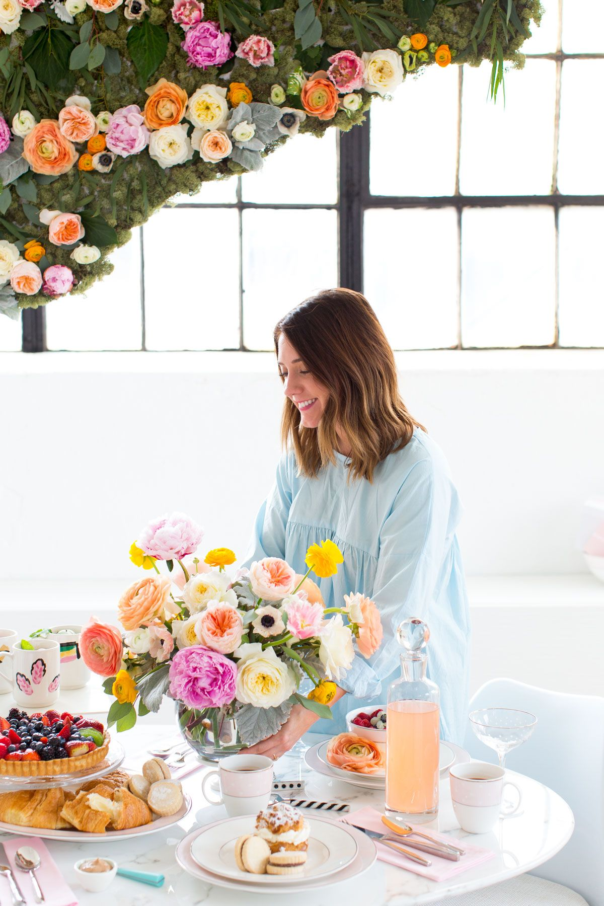 How to Host a Modern Bridal Brunch | Take Pictures: Home Portraits ...
