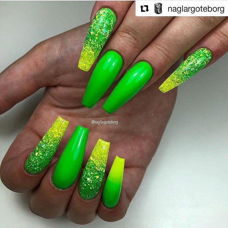 52 Pretty Nail Art Patterns Decorated And Simple 2019 Page 11 Of 52 Nail Designs Manicure Blog Green Nails Green Nail Designs Ombre Nail Designs