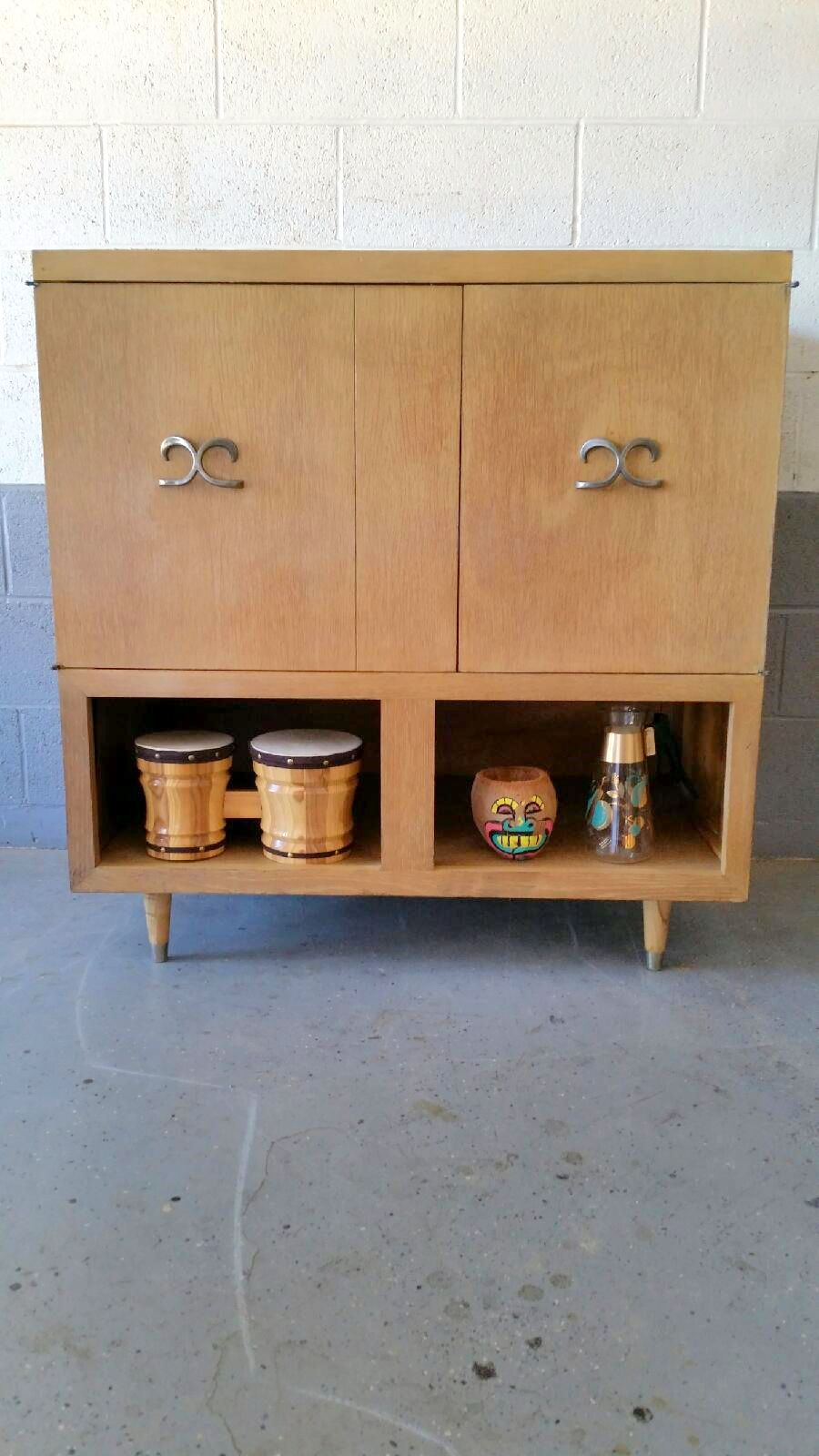 Enjoyable Early 1950S Admiral Tv Radio Record Player Repurposed As A Download Free Architecture Designs Griteanizatbritishbridgeorg