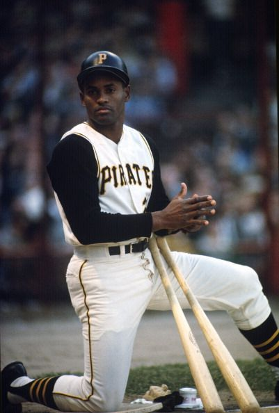 ROBERTO CLEMENTE Forbes Field Signed Pittsburgh Pirates 8x10 Photo RP REPRINT