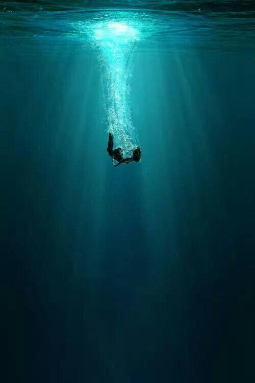 Yes i am falling | oblivion ocean, 2019 | Underwater art ...
