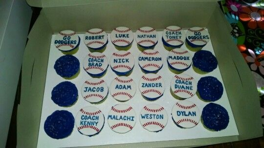 Baseball Team Cupcakes With Players Names With Images No Bake