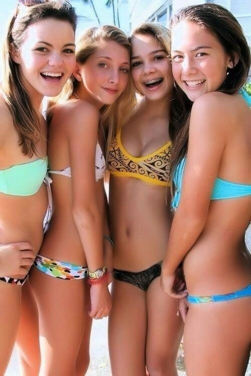 Hot Teens In Bikinis Pics