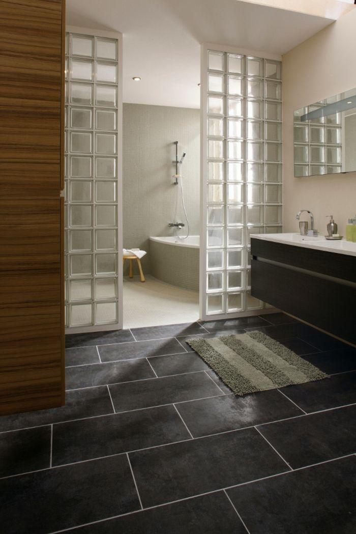 mettons des briques de verre dans la salle de bains briques le sol et carrelage. Black Bedroom Furniture Sets. Home Design Ideas