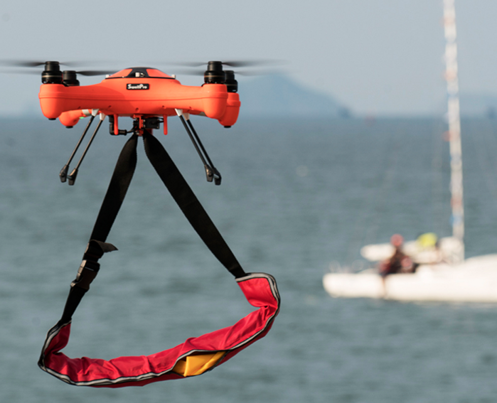 90eb267eb4c A Splash Drone 3 that Can Fly in the Air, Float on Water, See Under Water  and Carry a Payload Has Officially Launched a Crowdfunding Campaign on  Kickstarter