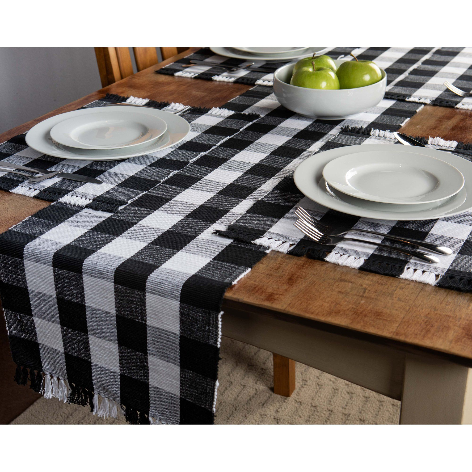 Mainstays 4 Pack Buffalo Plaid Placemat Black And White Walmart Com In 2021 Buffalo Plaid Decor White Placemats Buffalo Plaid Table Runner