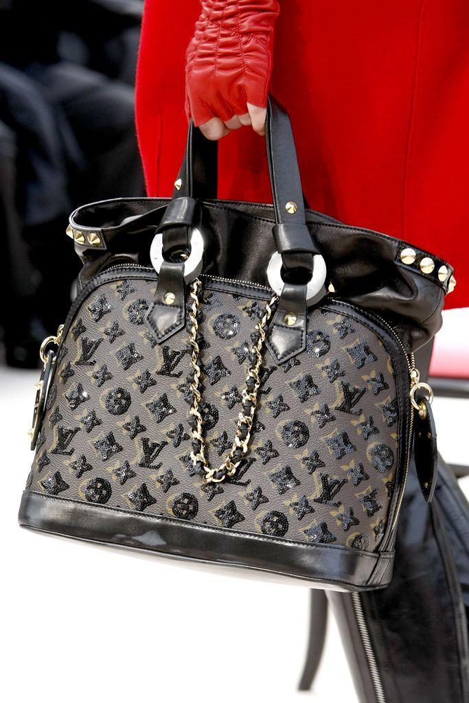 Fashion Shows Runway Reviews And More Style Com Louis Vuitton Women Handbags Vuitton