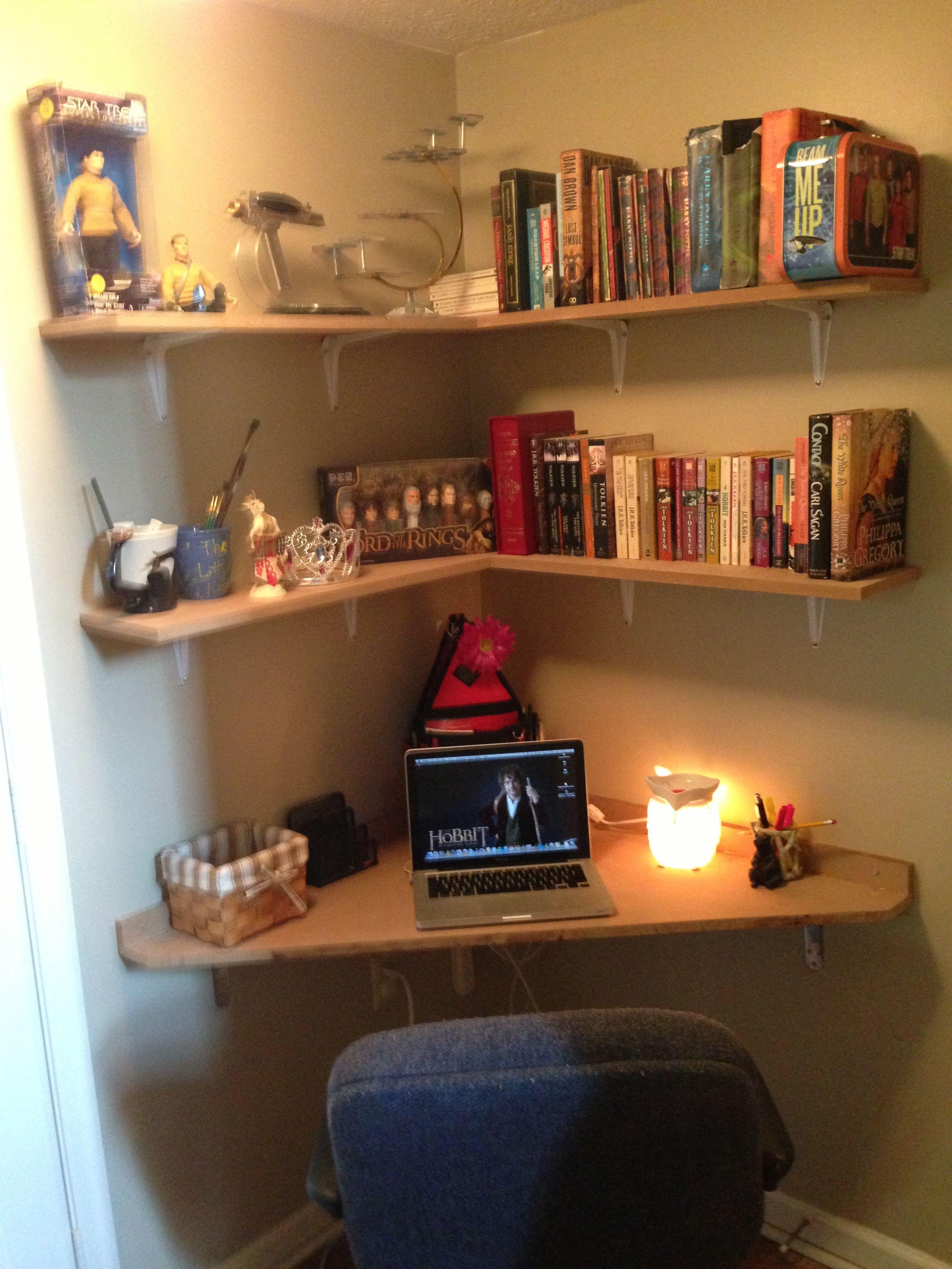 Built Corner Desk In 6x6 Landing. Love Products