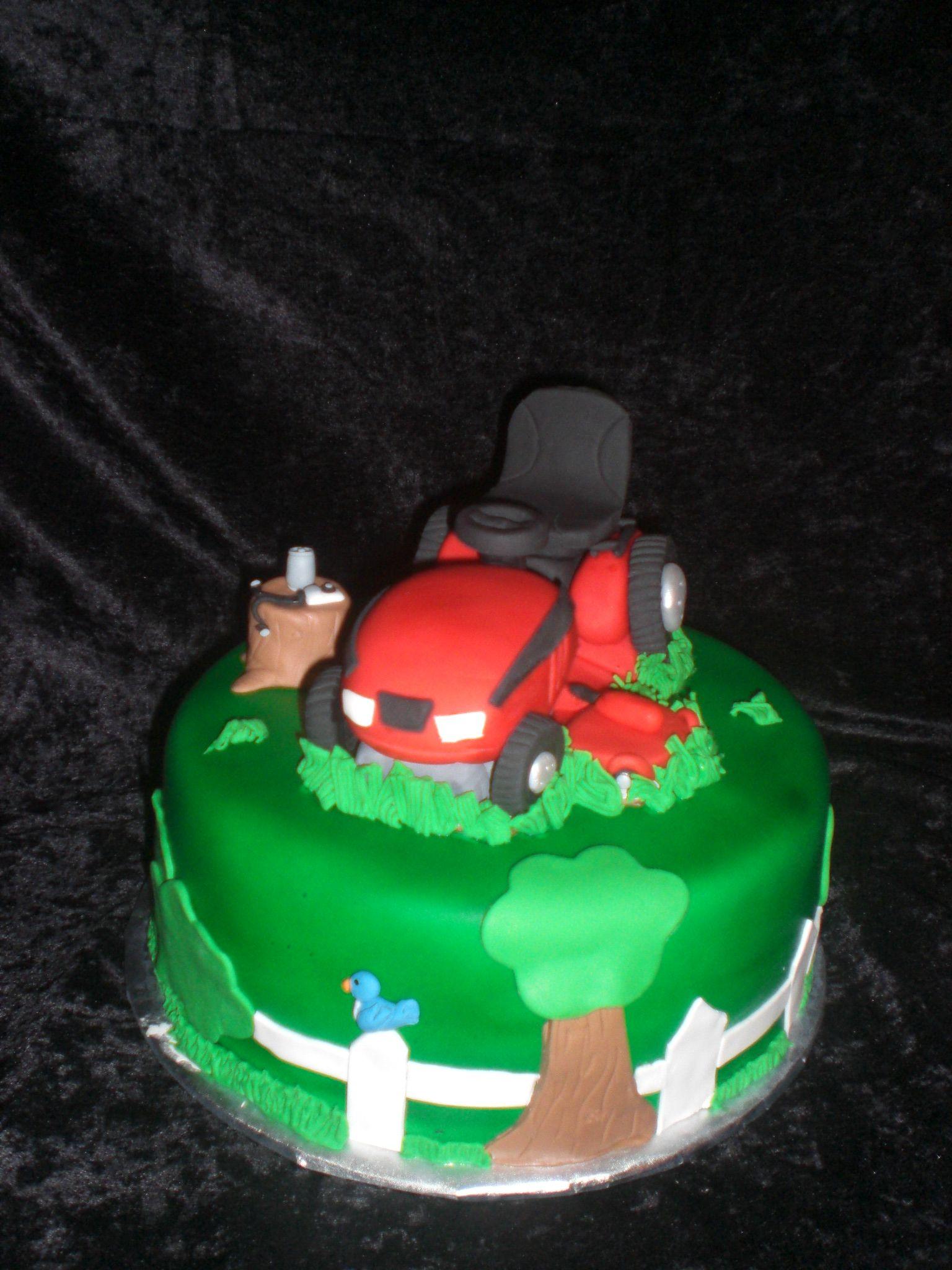 Riding Lawn Mower Cake | Lawn mower cake, Riding lawn ...