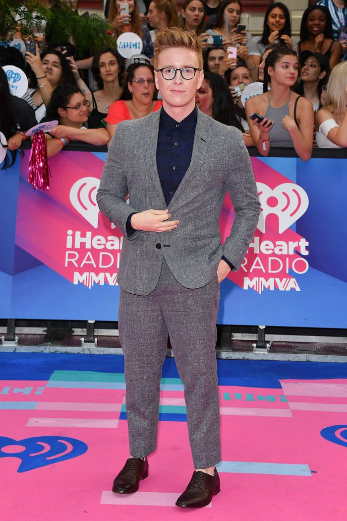 Tyler Oakley at iheartradio much music awards 2017 | Music ...