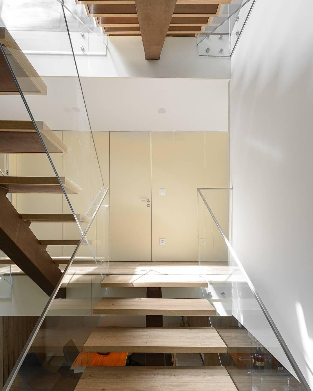 House In Carnide Manuel Belo Arquitectos Ricardo Oliveira  # Table De Jardin Ricardo