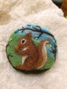 Handmade-needle-felted-039-Squirrel-039-brooch-gift