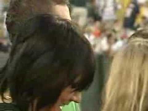 Justin Timberlake & Jessica Biel At The Packers/Bears Game - http://hagsharlotsheroines.com/?p=77510
