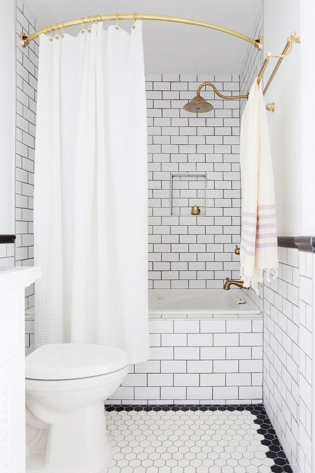 An Expert Shares The 10 Things Every White Bathroom Needs White