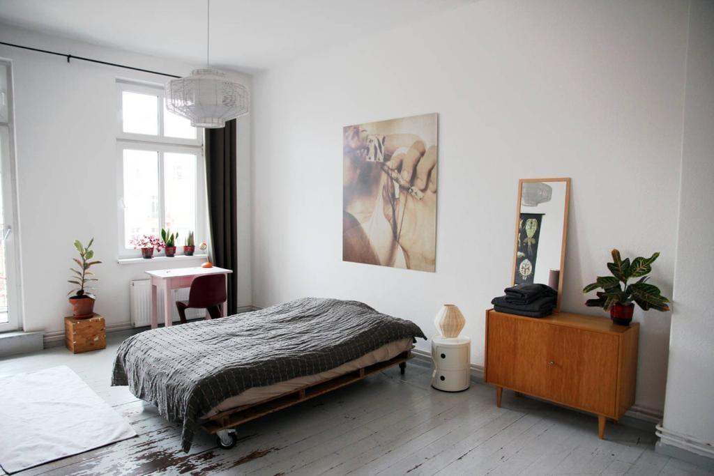 wunderh bsches wg zimmer im vintage style mit eleganter farbkombination ideen f rs wg zimmer. Black Bedroom Furniture Sets. Home Design Ideas