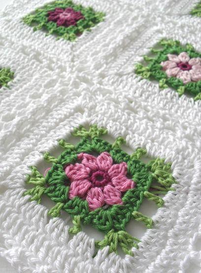 Beautiful Flower Blanket: free chart