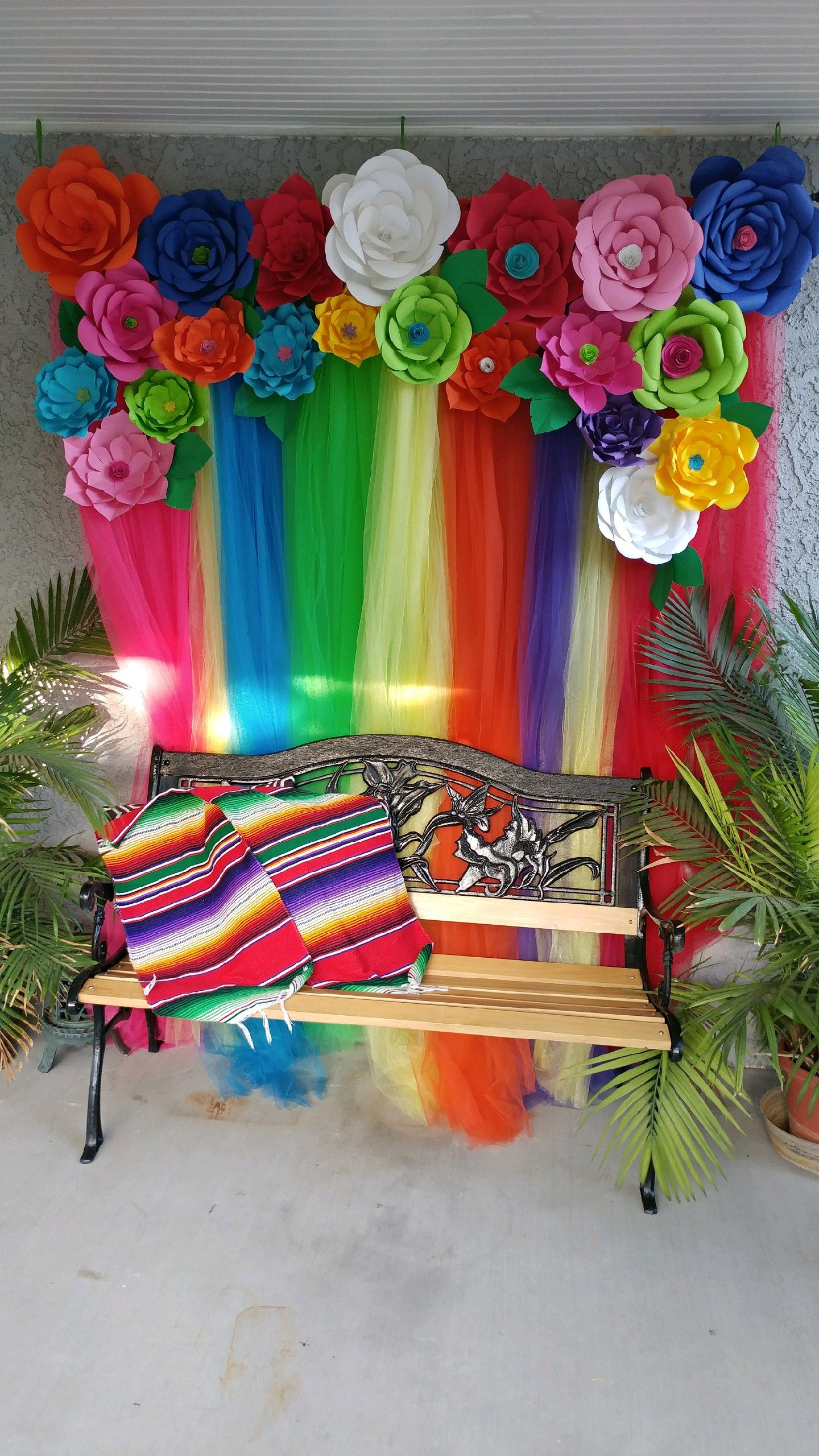 Fiesta photo booth sweet 16 pinterest fiesta for Decoracion kermes mexicana