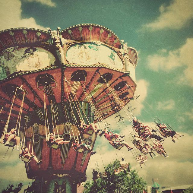 there's no way u could make a bad picture of a merry go round. i mean it's so fun to look at,let alone riding one.