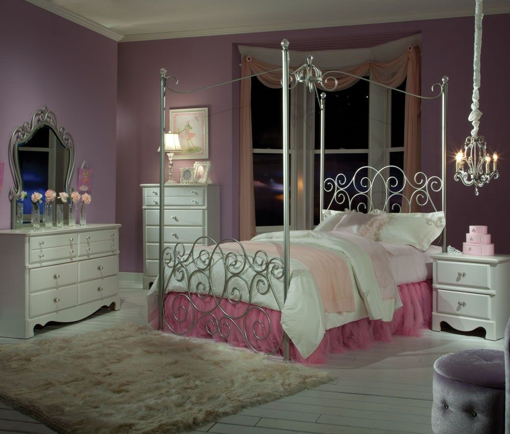 Cherry Wood Canopy Bedroom Sets