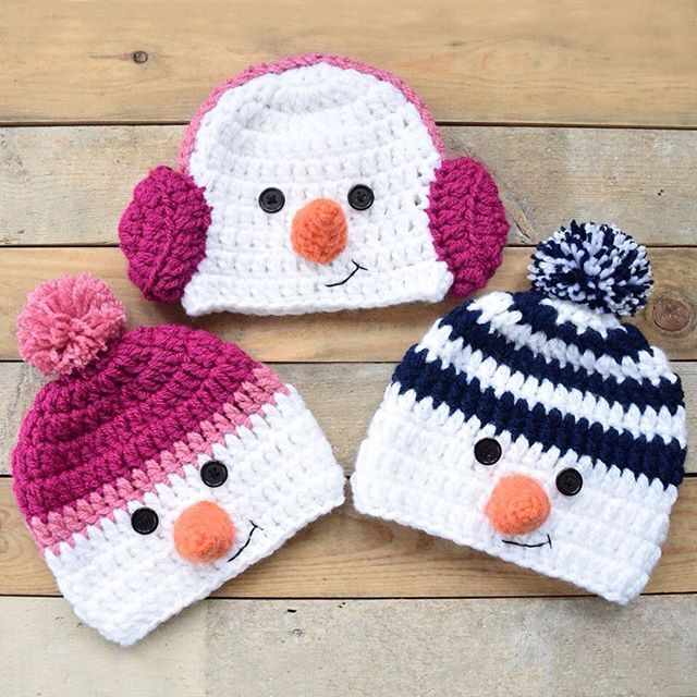 More cheeky snow boys and girls baby beanies ⛄️    Inspired by @repeatcrafterme designs #beanies