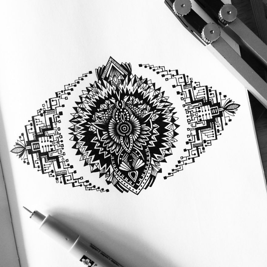 """""""detailed zen doodles/tangles: pavneet sembhi"""" (These are amazingly detailed.)"""