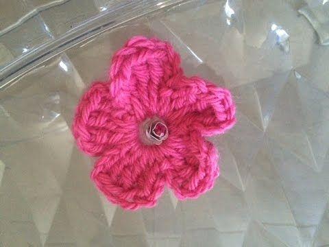 tuto fleur au crochet facile pour débutant #crochet #1 - YouTube ...