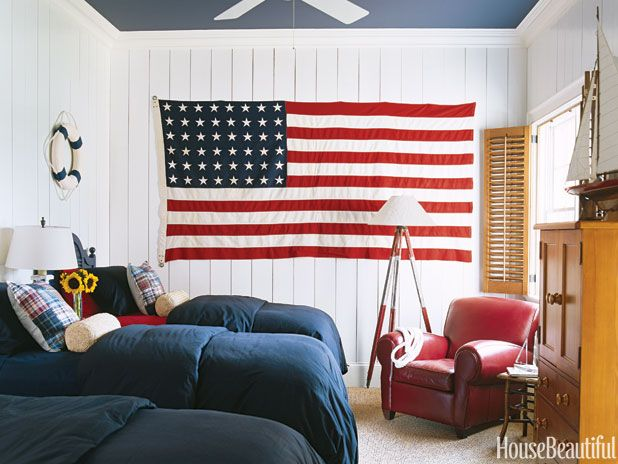 Hang Flag On Wall 15 impressive rooms that boast patriotic decor | beautiful, laghi