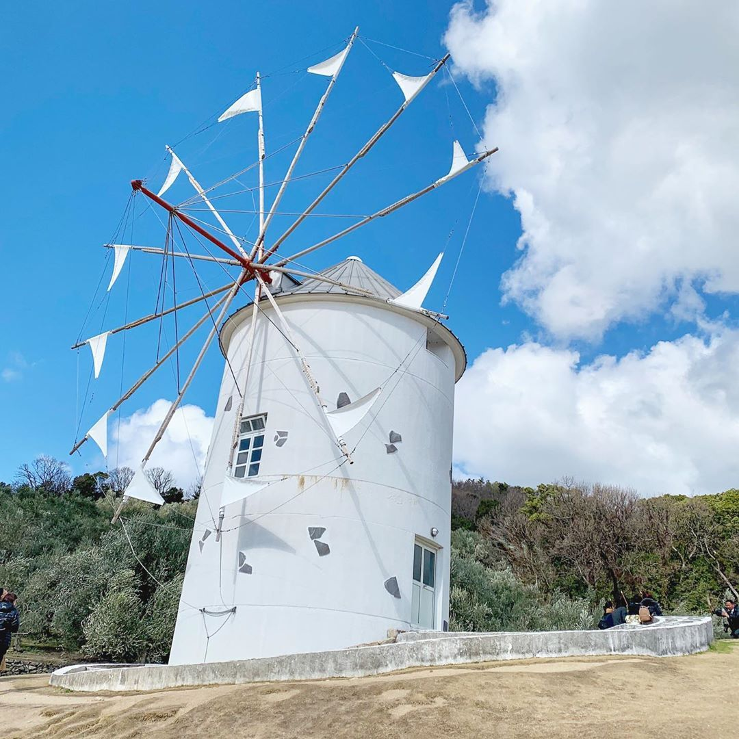 Windmill。  ・・・  #windmill #魔女の宅急便 #オリーブ公園  #海 #sea  #小豆島 #shodoshima  #高松 #takamatsu  #香川 #kagawa  #四国  #日本 #japan #日本旅行  #japantrip #holiday #japantravel  #旅行 #観光 #traveling #adventure #beautiful #traveller #hkig #iger #instagram #instagood