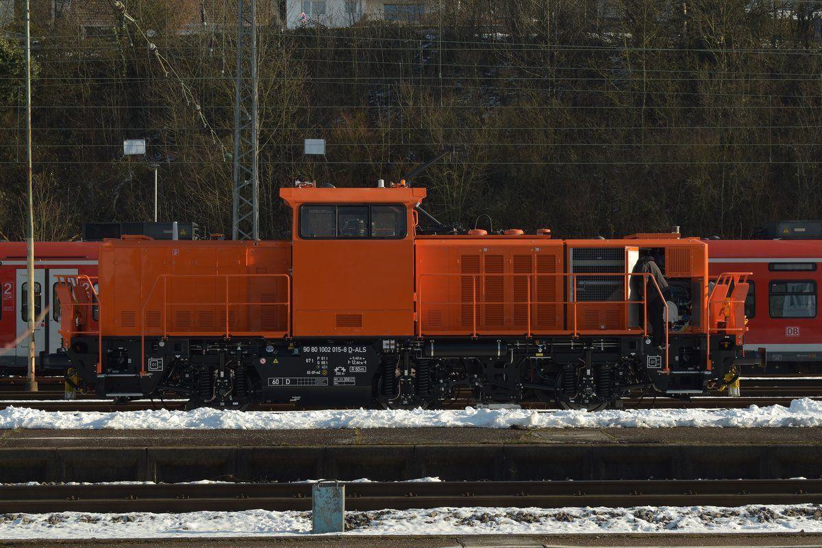 Die einen Tag zuvor abgenommene Neulok 90 80 1002 015-8 D-ALS/ Alstom H3 muss in Mosbach-Neckarelz einen Zwischenhalt einlegen, das nutzt der Tf um Überprüfungen vor zu nehmen. 21.1.2017