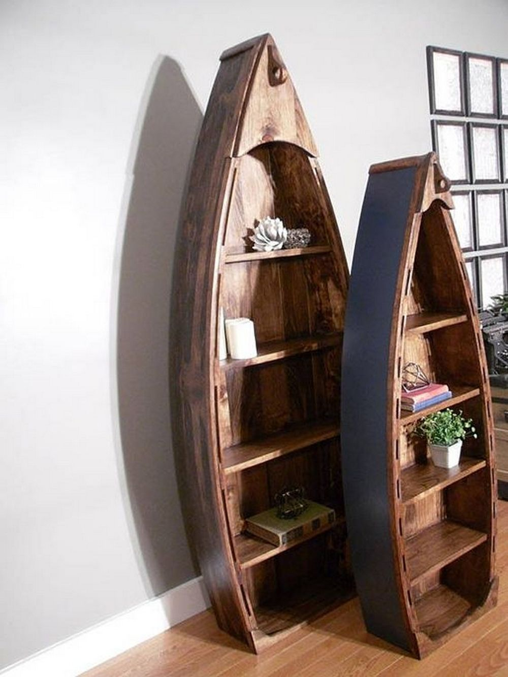 How to Build a Boat Bookshelf #palettendeko