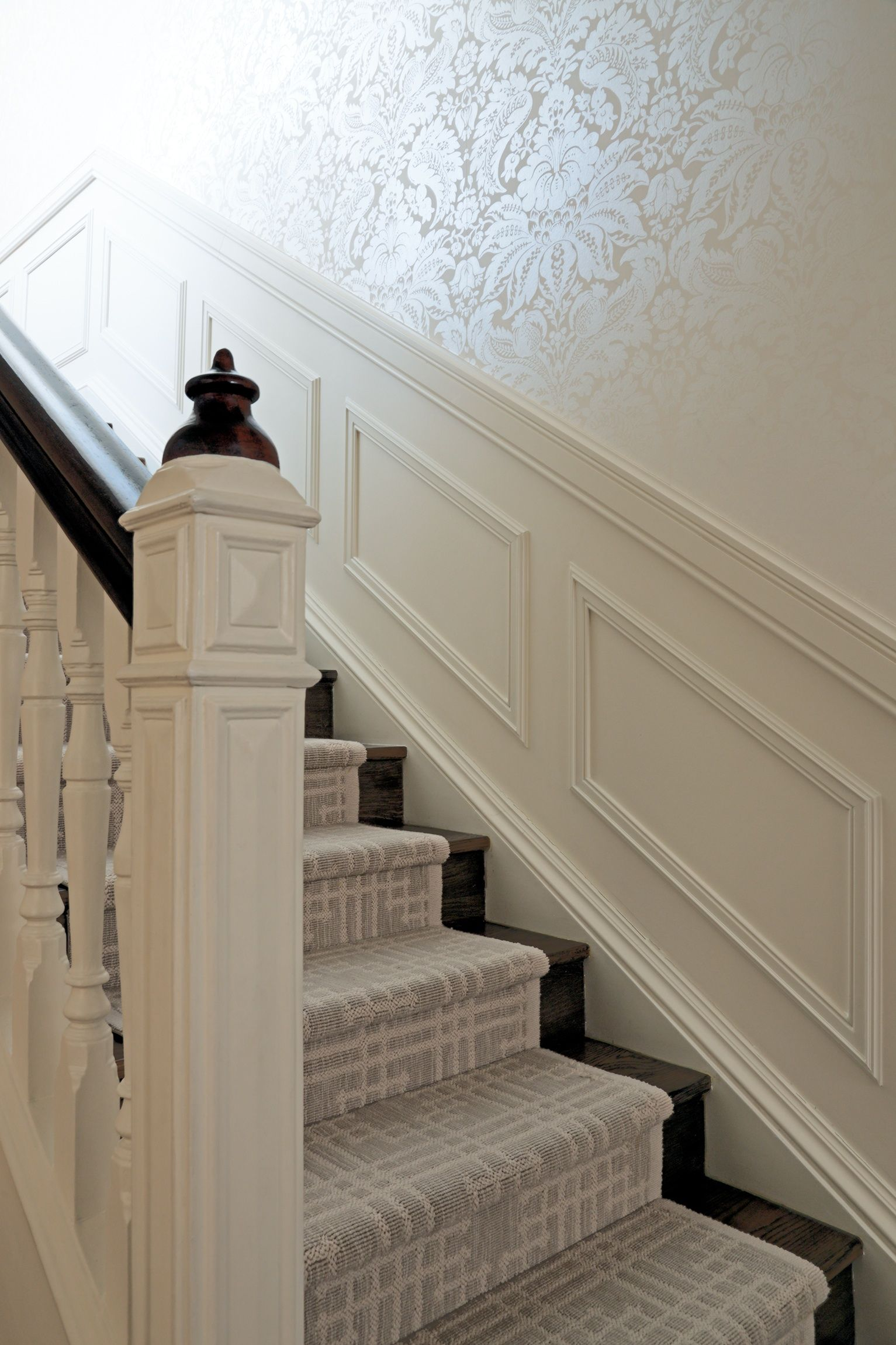 Great Bannister Wand Wainscoting Up The Stairs