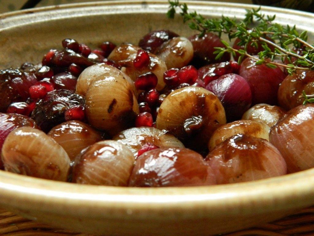 Sarah aan de Kook: Gekarameliseerde sjalotten met granaatappel