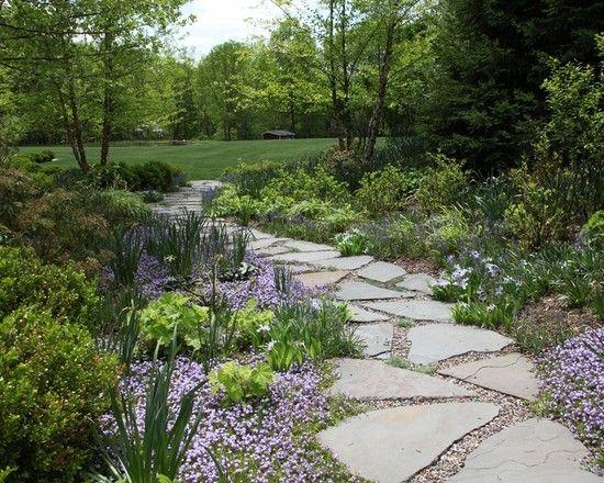 Gartenwege gestaltung ideen traditionell naturstein textur for Schattiger garten gestalten