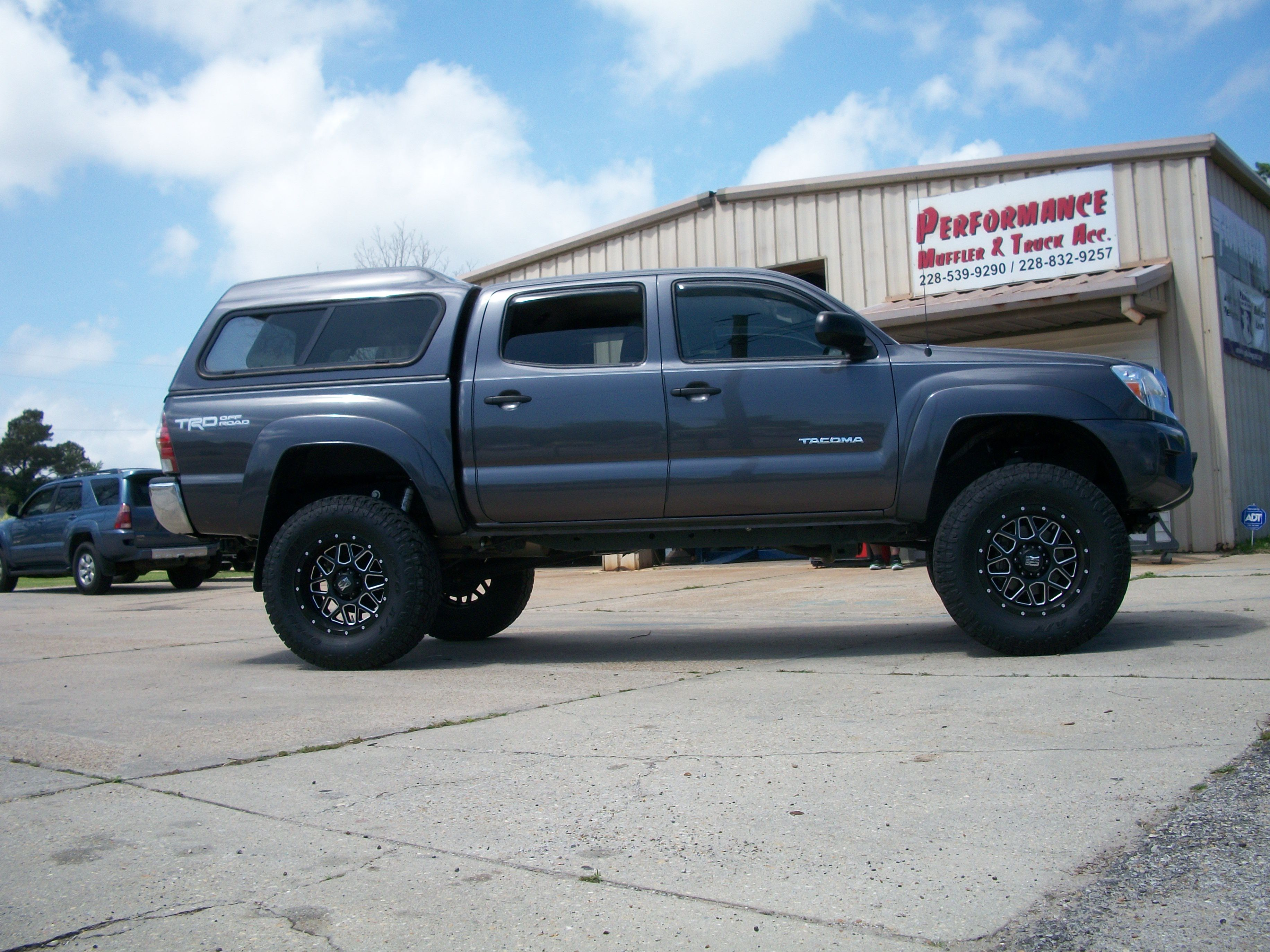 6 Bds Suspension W Fox 2 0 Rear Shocks 35x12 50r18 Toyo Open Country At Ii On 18x9 Xd820 Black Milled Lifted Trucks Suv Vehicles