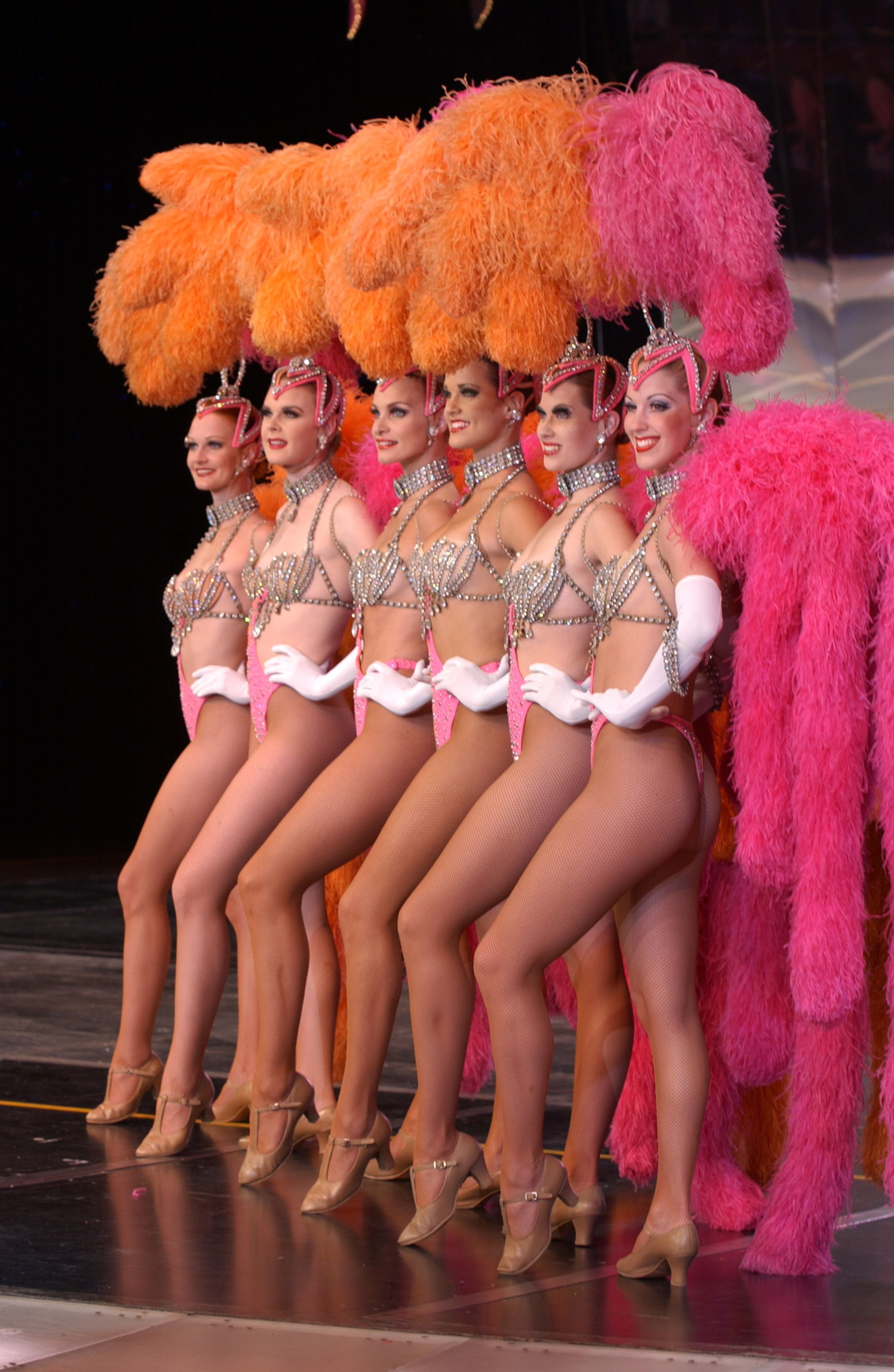 Are naked showgirls and cabaret girls think