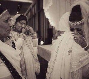 Venez visiter mon blog, article très croustillant sur les différentes façon de se marier.