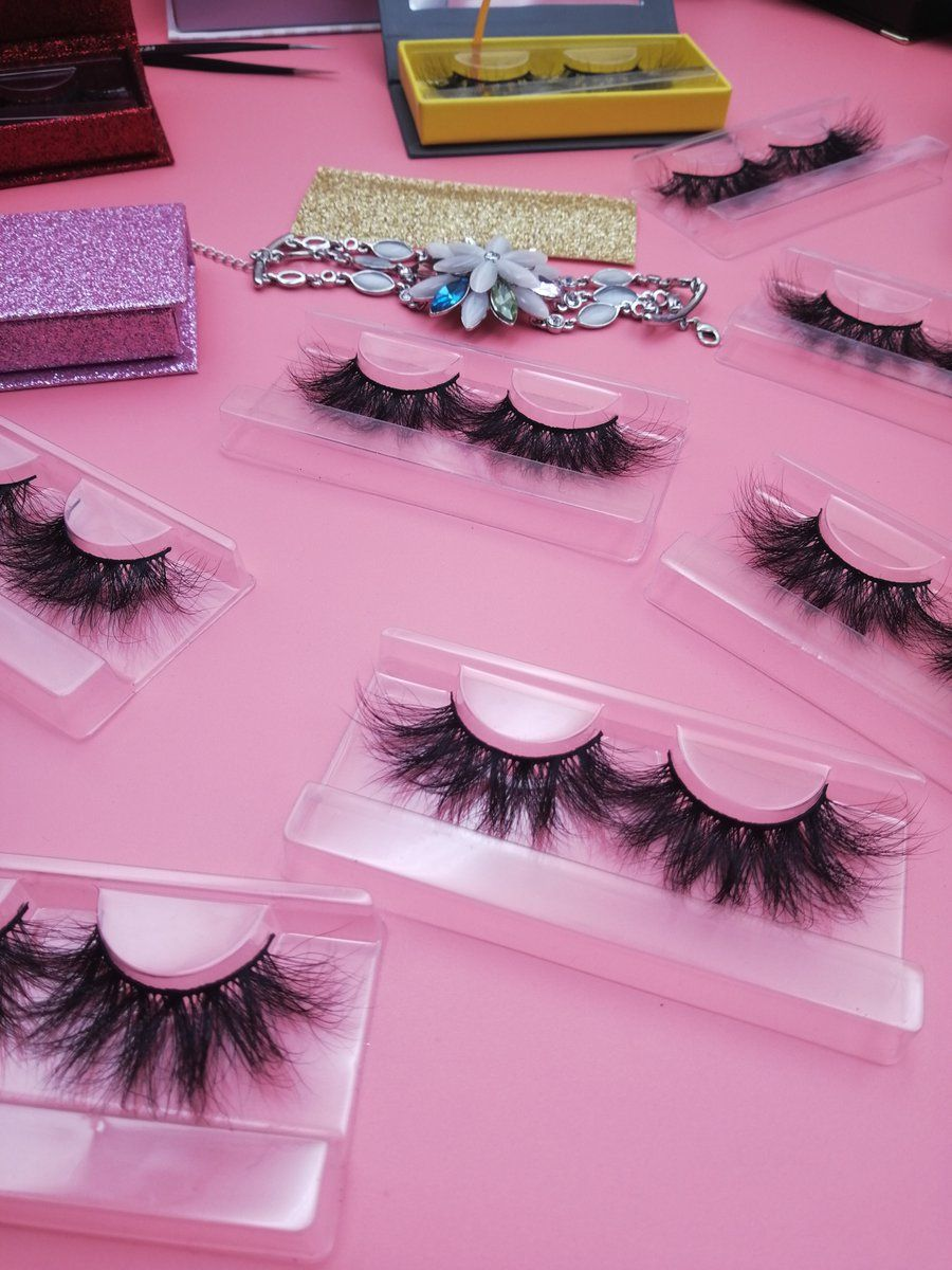 504dcaa8261 1) Twitter | MINK LASHES in 2019