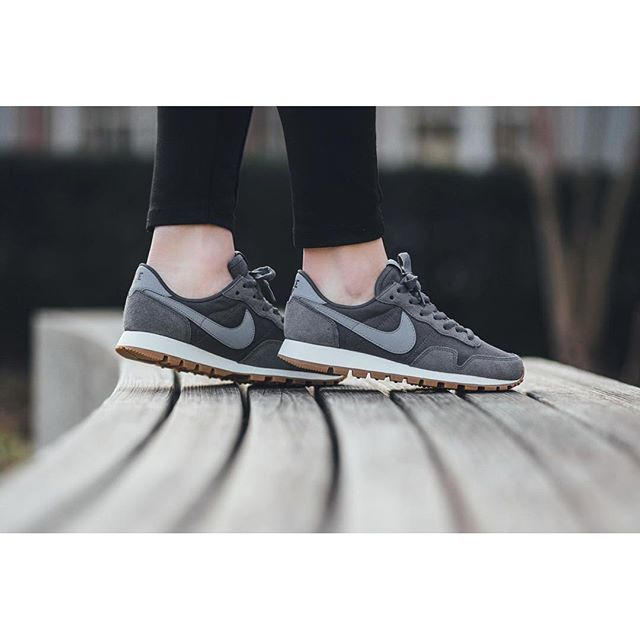 promo code 189cf 5addd Nike Wmns Air Pegasus 83 - Dark Grey Stealth-Black available now in-store  and online  titoloshop .