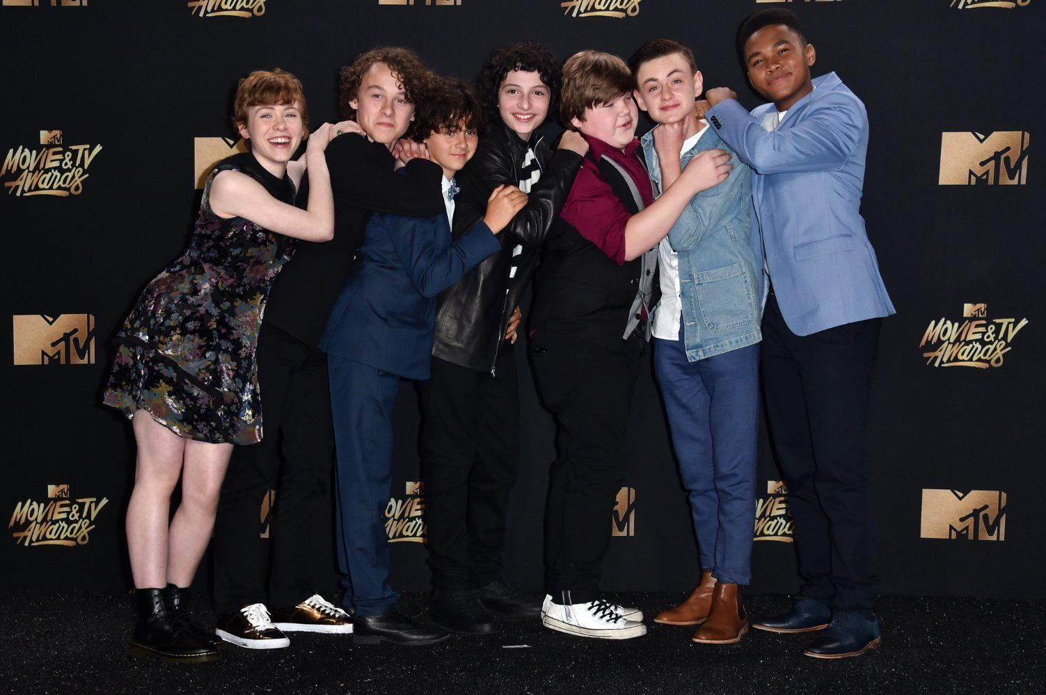 Huffpost Breaking News U S And World News Cast Stranger Things It The Clown Movie It Cast