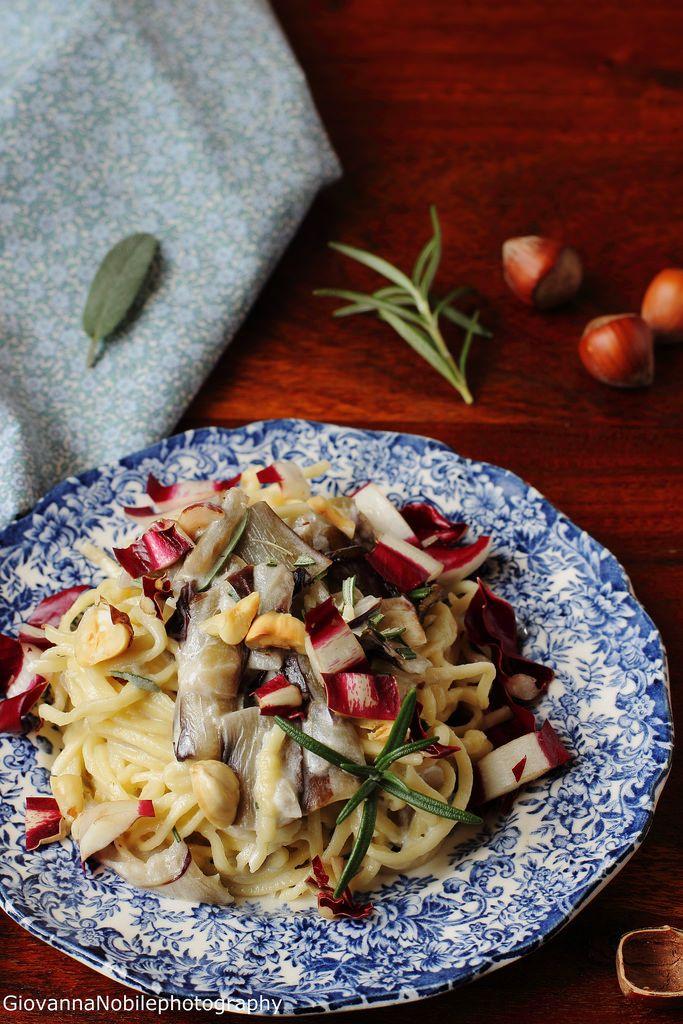 Tagliolini all'uovo semi integrali con sugo di radicchio e robiola  Ricetta/recipe: www.lacuocaeclettica.it/