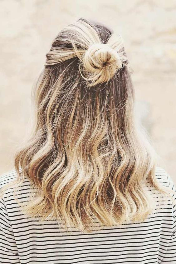 35 Attractive and Perfect Hairstyle for Beach Make You Clear and Lovely - Page… in 2020 | Cute medium length hairstyles, Cute hairstyles for medium hair, Medium hair styles