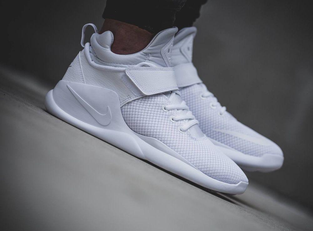 Nike Kwazi blanche (2)