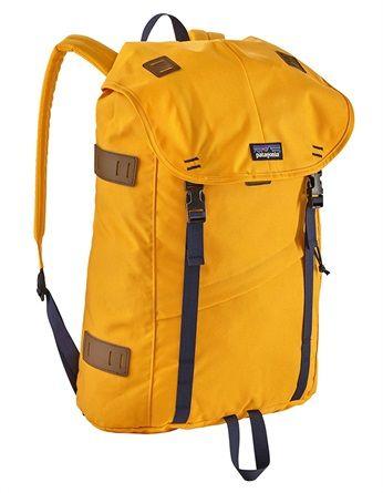 f628919fca Zaino in spalla: i 15 più cool del momento | Fashion | Backpacks ...