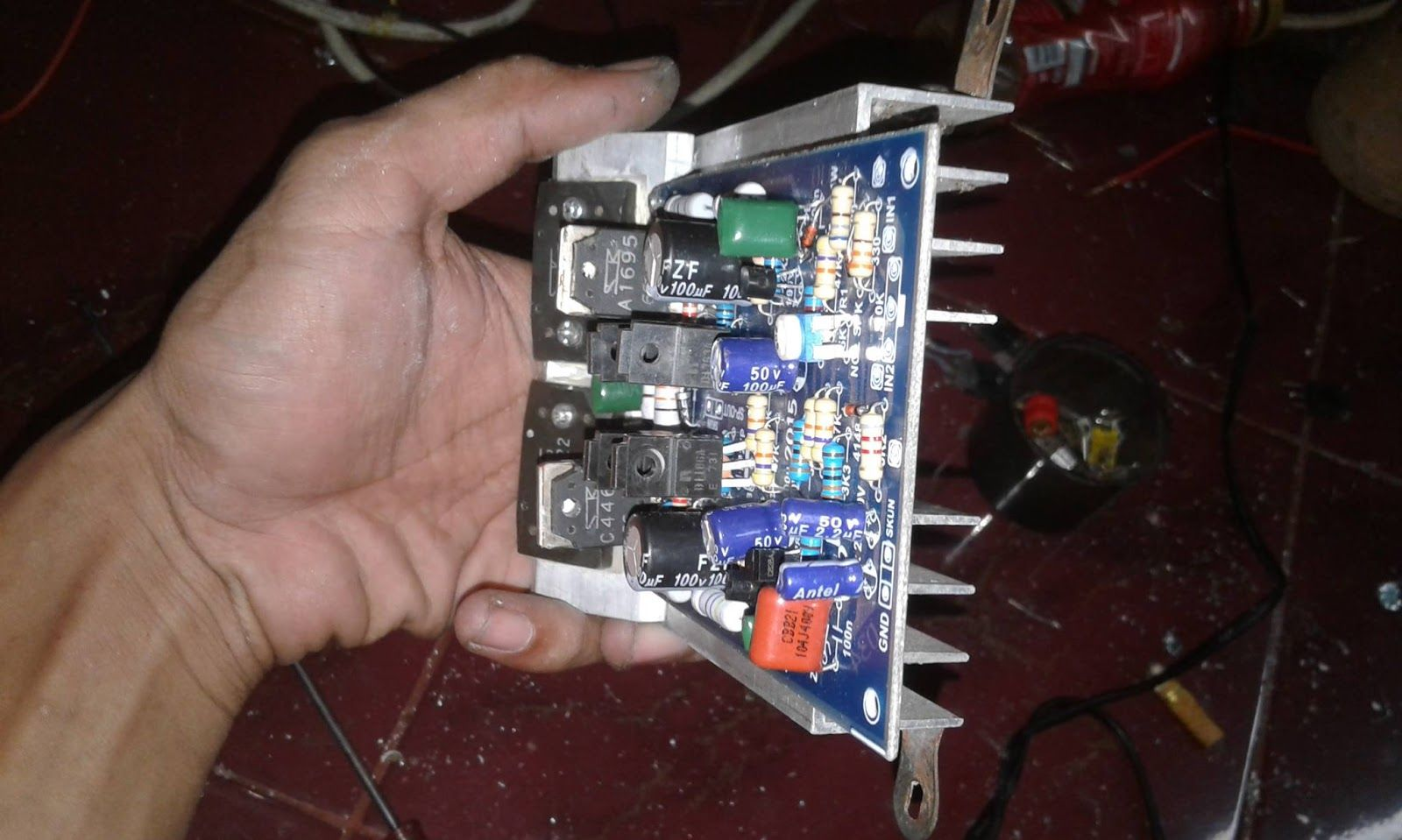 750w Mono Power Amplifier Schematic And Pcb Raz Dwa Pinterest This Simple Shows A 140w Audio Circuit By Diy Kit With Final Transistor Sanken 2sc2922 2sa1216 Driver C4468 A1695 D1763 B1186